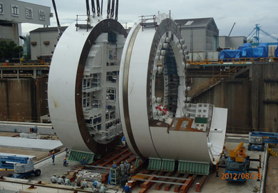 Assembly of the 17.48m o.d. EPBM at the Hitachi Zosen factory at Sakai, Japan