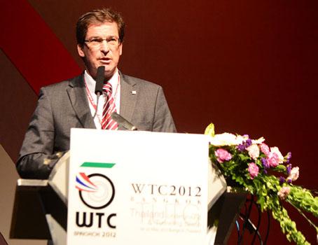 Prof Fritz Grübl at the podium