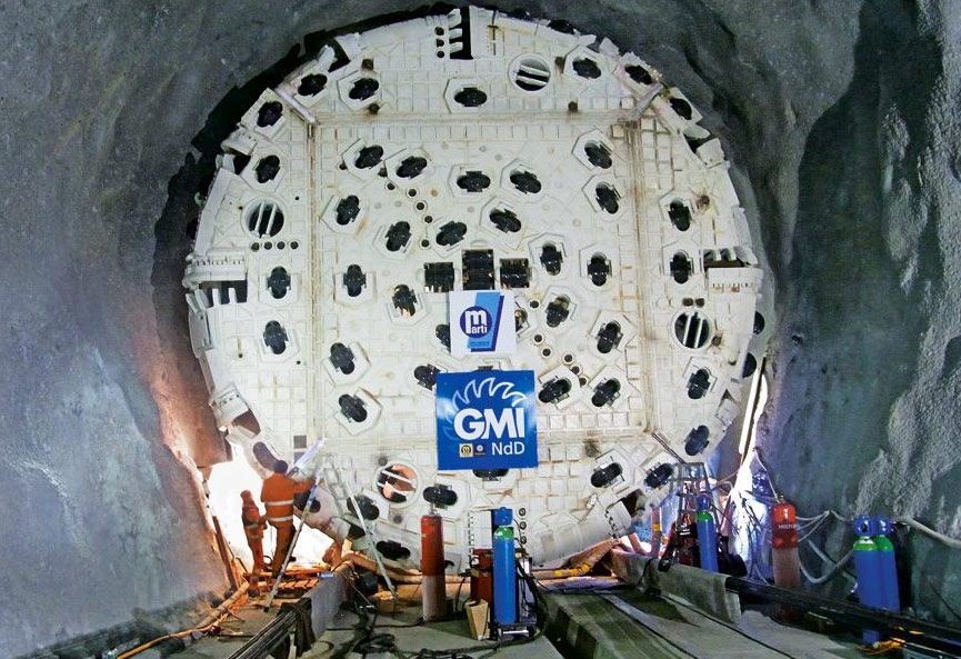 Launch of the refurbished TBM on the access drive in 2011