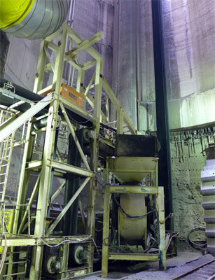 Robbins continuous conveyor transition to vertical shaft conveyor