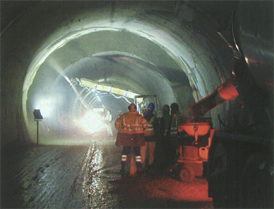 Reconstruction of the bi-directional highway tunnel