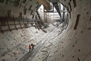 Giant dimensions of Alaskan Way tunnel
