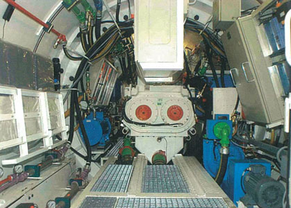View inside the 2.4m id remotely controlled EPB/slurry dual-mode pipejacking machine