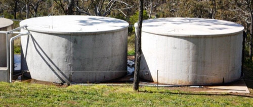Autogenous calcium healing (right) in the Portland cement concrete water tank