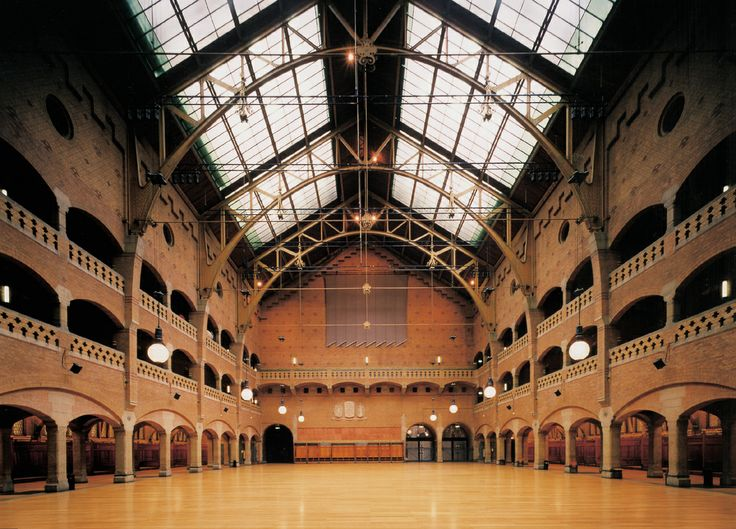 Historic Beurs building main hall has 1,300 capacity