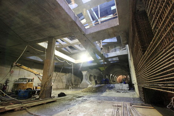 Construction of Gellért tér station in December 2010