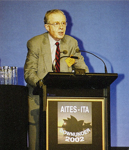 <Sir Alan Muir Wood addresses the WTC in 2002