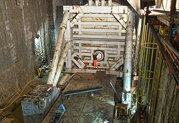 STS assembly in place ready to receive the TBM through the station headwall