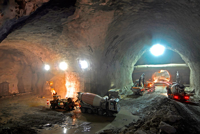 Impressive excavation of caverns at the Mauls adit junction with the main tunnels