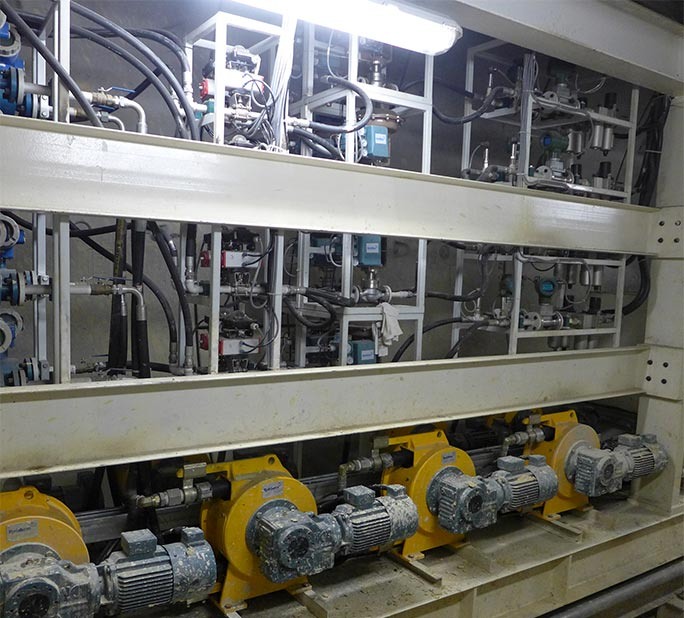 Soil conditioning injection pumps