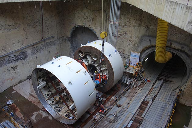 TBM reassembly for the parallel drive