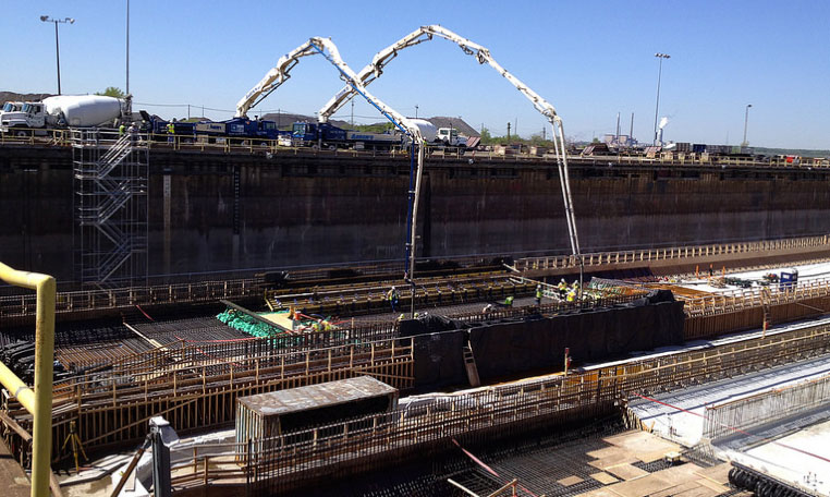 Concrete pour into the dry dock forms