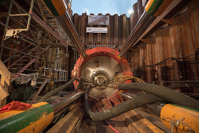 "Inside the pipejacking station shaft"" style=""width:362px;height:270px;"