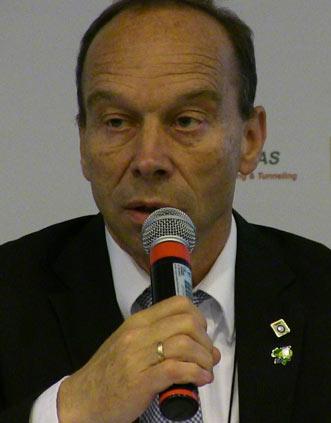 """WTC President Søren Eskesen"""" style=""""width:150px;height:180px;margin-bottom:10px;"""