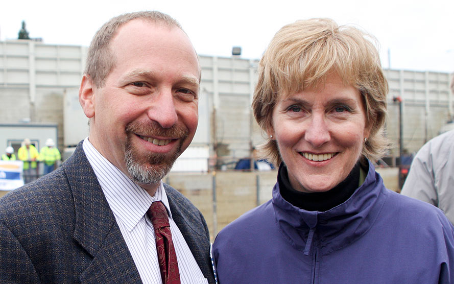 Peter Rogoff and outgoing CEO Joni Earl at the U-Link groundbreaking