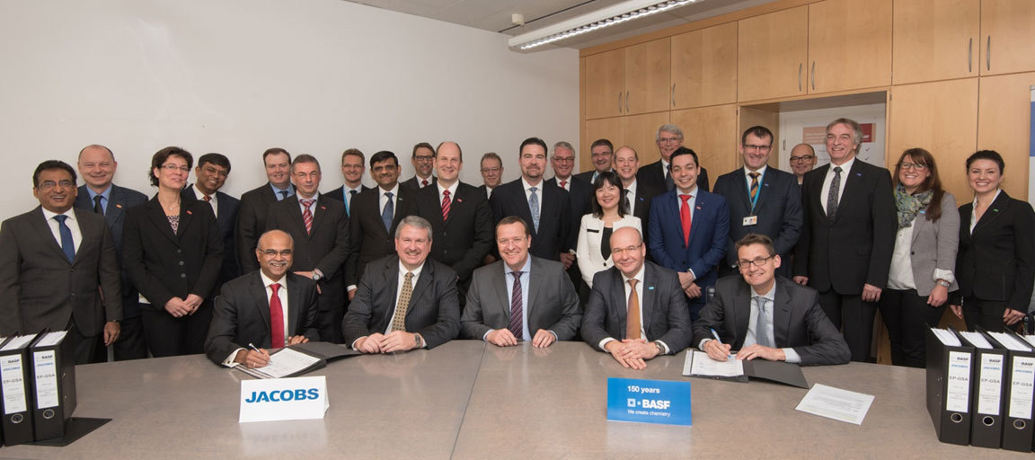 BASF and Jacobs sign a three year deal: Sitting (right to left) Vinayak Pai, SVP & GM Petroleum and Chemicals - India and Asia (Jacobs); Gary Mandel, President, Petroleum and Chemicals (Jacobs); Klaus Welsch, President Engineering & Maintenance (BASF); Wolfgang Haas, President Legal, Taxes & Insurance (BASF); Fried-Walter Münstermann, President Procurement (BASF).