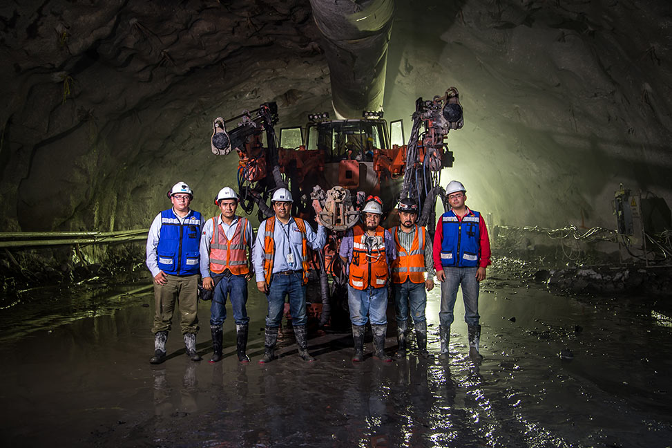 Acatunel workers inside the tunnel