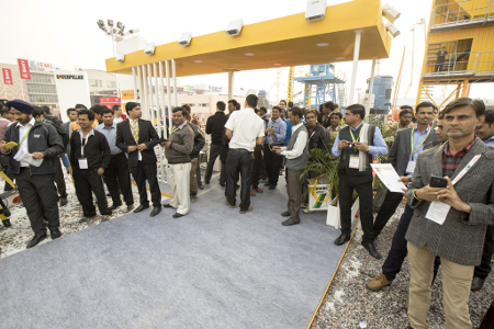 Visitors to the last bauma CONEXPO India in 2014