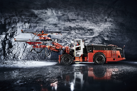 Sandvik's DD422iE battery powered drill rig