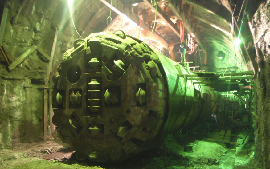 Hand-excavation work created the recovery chamber of the trapped TBM on the Tapovan Vishnugad project