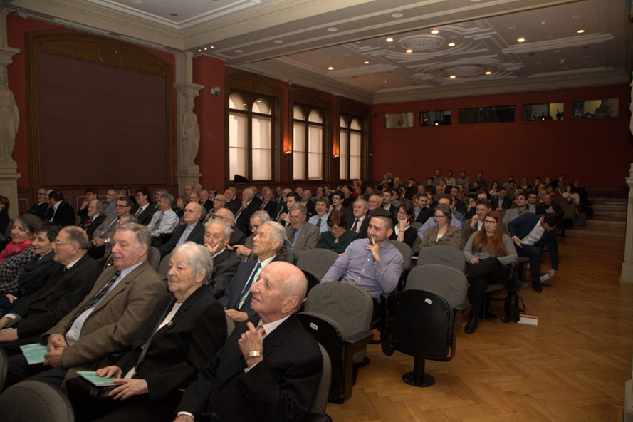 The presentation ceremony was held in the Great Hall of the Budapest Academy of Sciences