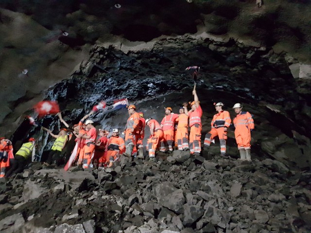 Breakthrough for Vadlaheidi road tunnel