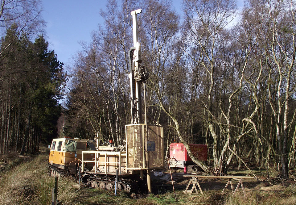 Geotechnical and geophysical investigations on site