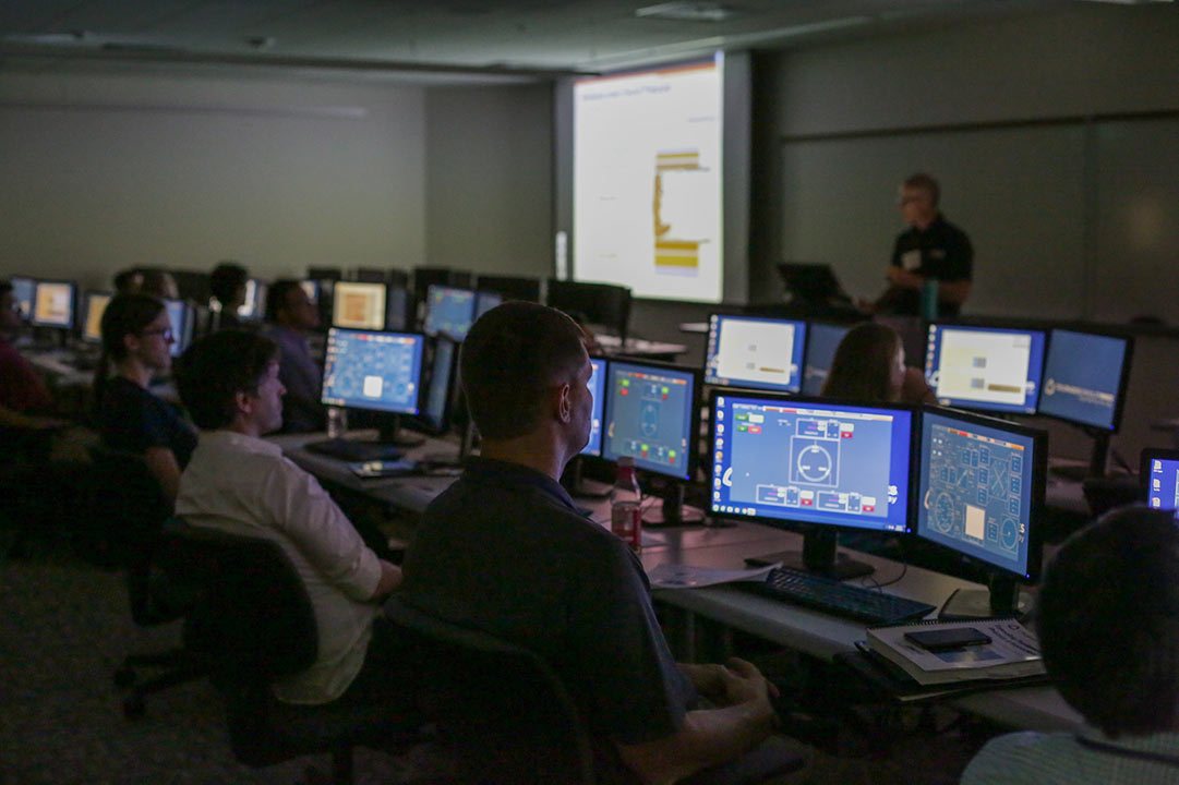 In-depth theoretical and simulation classroom programs
