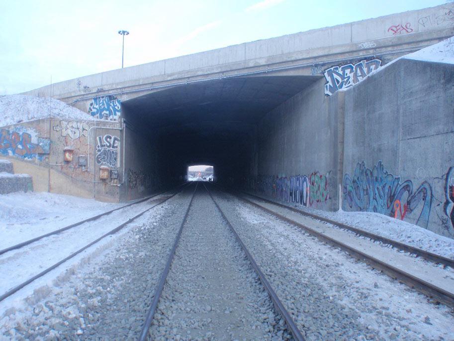 New rail tunnel to pass under main highway