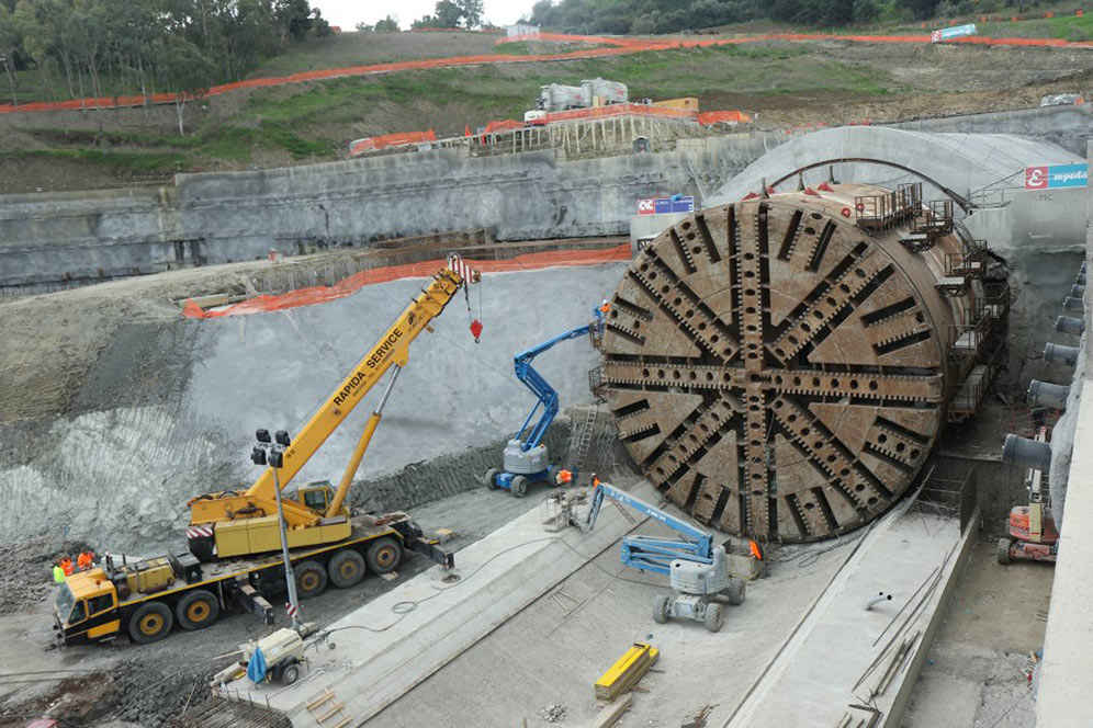 Mega TBM completes first road tube at Caltanissetta