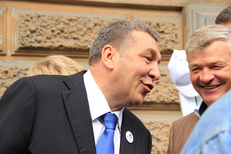 Igor Albin, Vice-Governor of St Petersburg region (left) and one of the main initiators of the new tunnel project