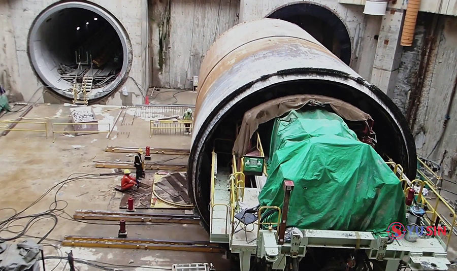 TBM ready for slide across to turntable