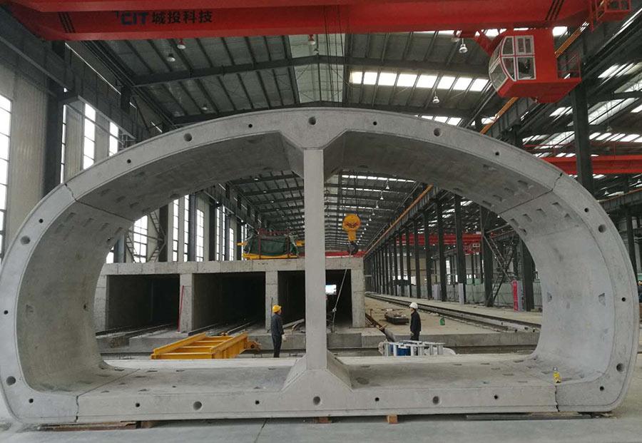 Segmental lining for dual use tunnels