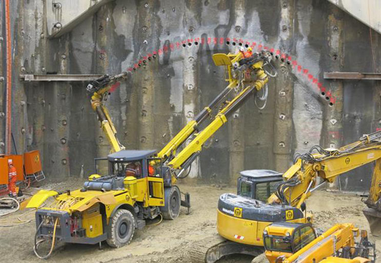 Advance of third tube for the Gubrist highway tunnel