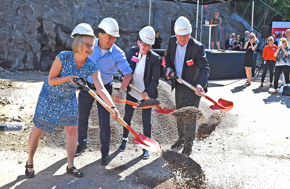 Official ground breaking gets Gothenburg West Link build underway