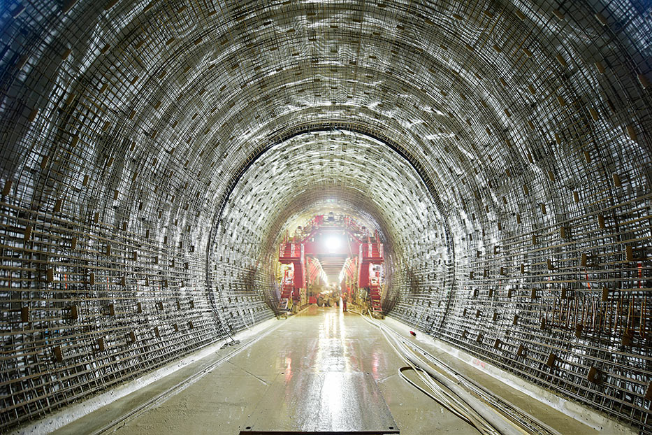 Advanced lining work on the Albabstieg Tunnel