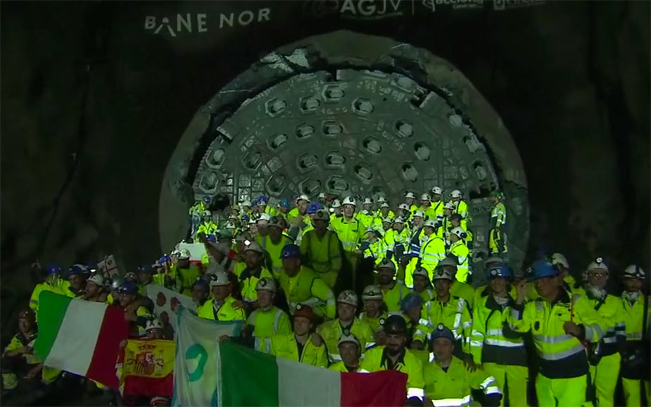 Great celebrations for the twin TBM crews after racing to their simultaneous breakthroughs