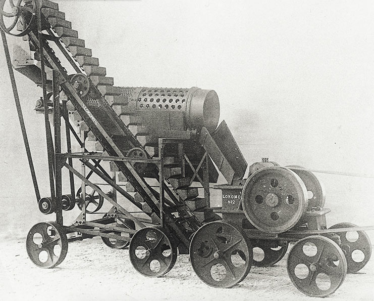 Early 1920s mobile crushers by Lokomo