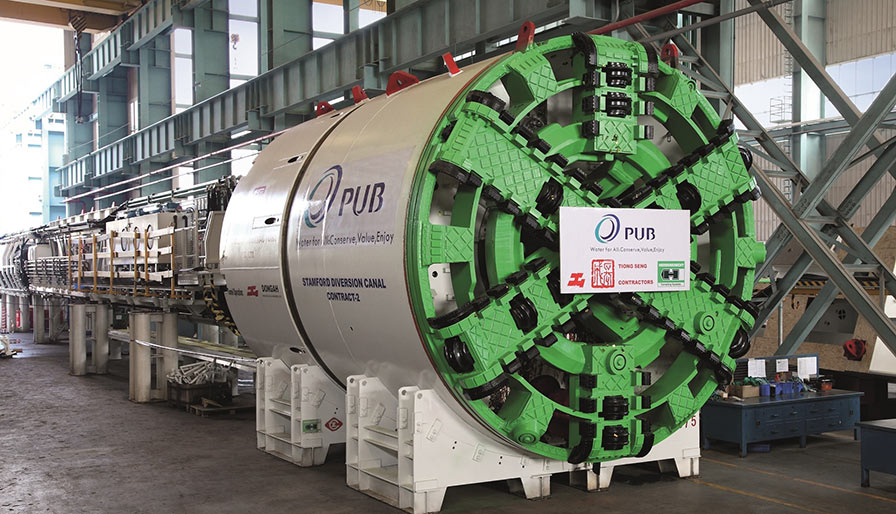 The 5.2m Herrenknecht shield TBM with 630 kW power drive