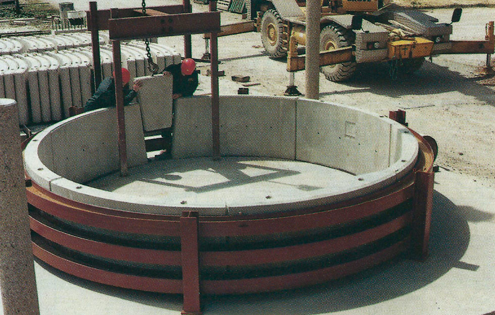 """Testing rig at Crendon Concrete in Aylesbury, where the fibre reinforced segments were cast"""" style=""""width: 400px;"""