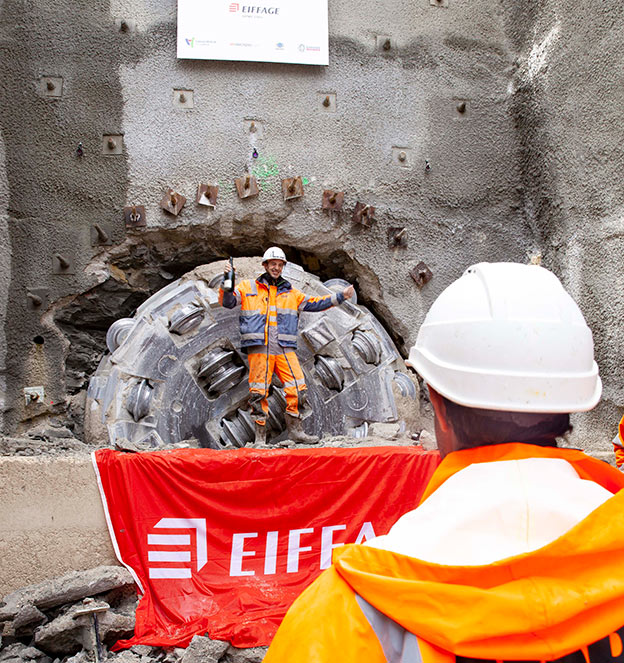 Eiffage crew celebrates breakthrough after overcoming the drive challenges
