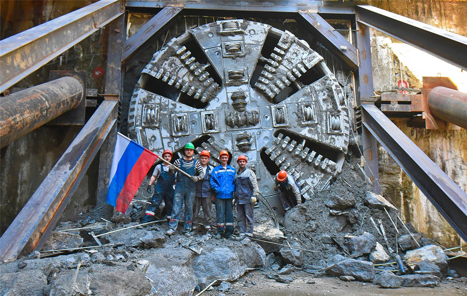 Breakthrough on the 1.2km Aviamotornaya and Nizhegorodskaya link