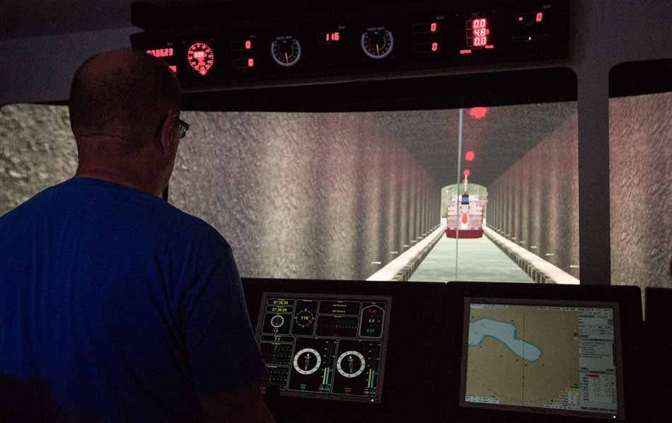 Simulation of piloting ship through tunnel