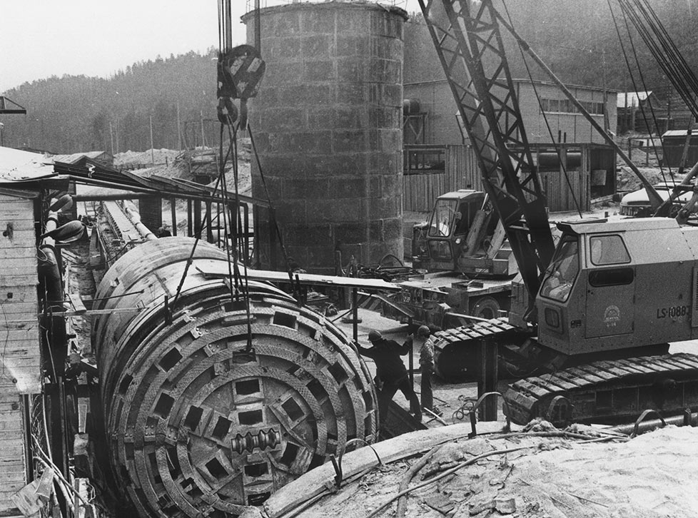 Original 4.56m double shield supplied for Severomuysky service tunnel in 1979