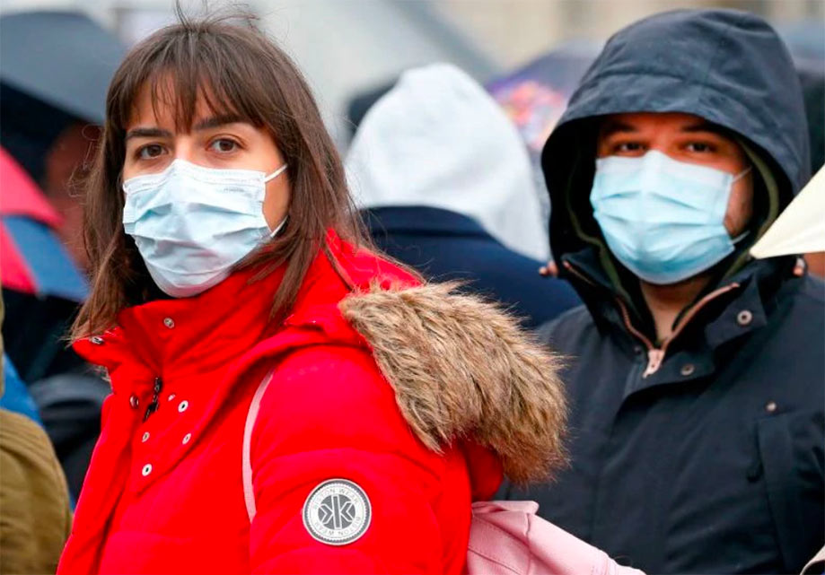 Face masks the norm rather than the exception, but crowding now banned by law