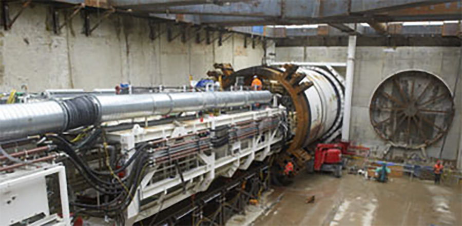 Launch of a slurry Mixshield TBM for the Thames River crossing