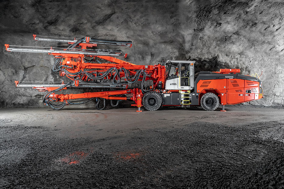 Top of the range DT1132i is fitted with advanced features for high drilling performance