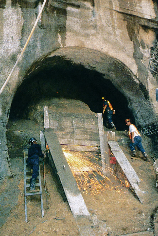 Work begins on one of the NATM running tunnels into Río Piedras Station