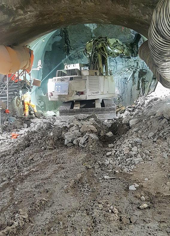 Unavoidable uphill excavation of escalator 4
