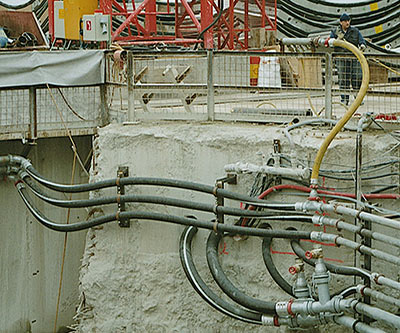 Proper management of hoses on a construction site